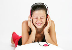 Les adolescents ont des comportements pouvant nuire à leur santé auditive